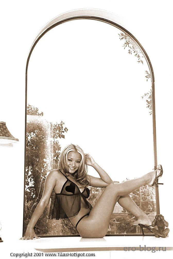 Голая обнаженная Tila Tequila | Тила Текила интимные фото звезды