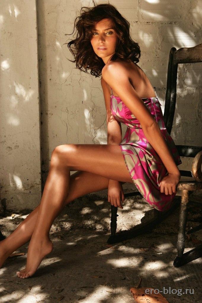 Голая обнаженная Genesis Rodriguez | Генезис Родригес интимные фото звезды