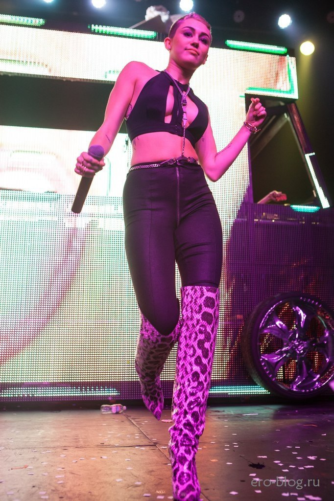 Голая обнаженная Miley Cyrus   Майли Сайрус интимные фото звезды