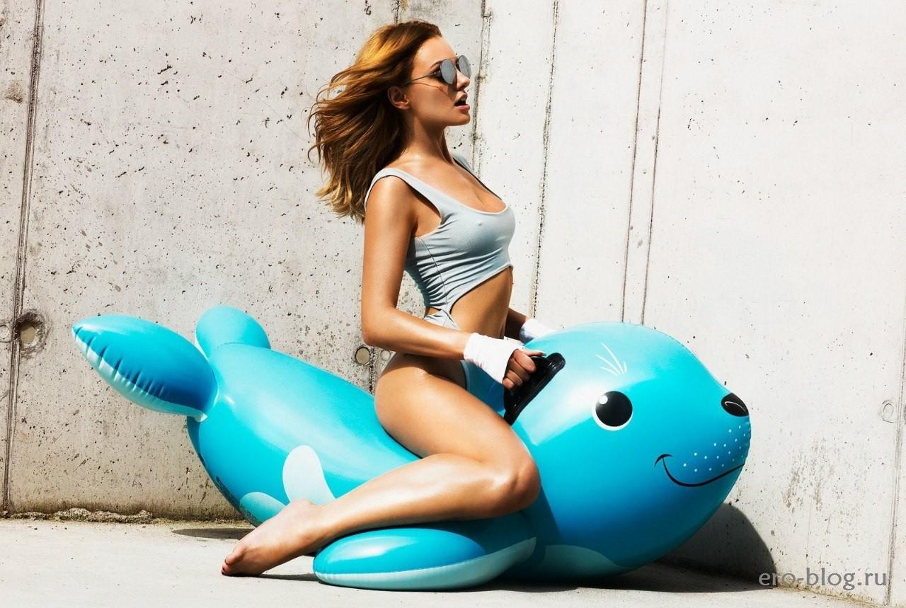 Alexandra Stan (27)