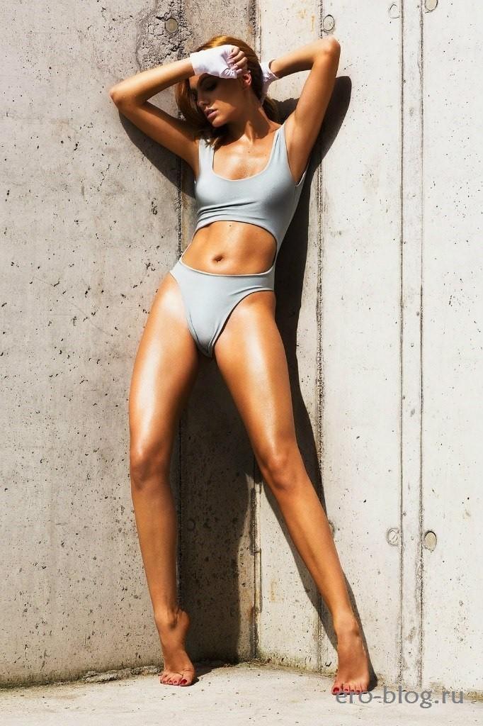 Alexandra Stan (42)