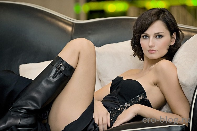 Anna Safroncik (25)