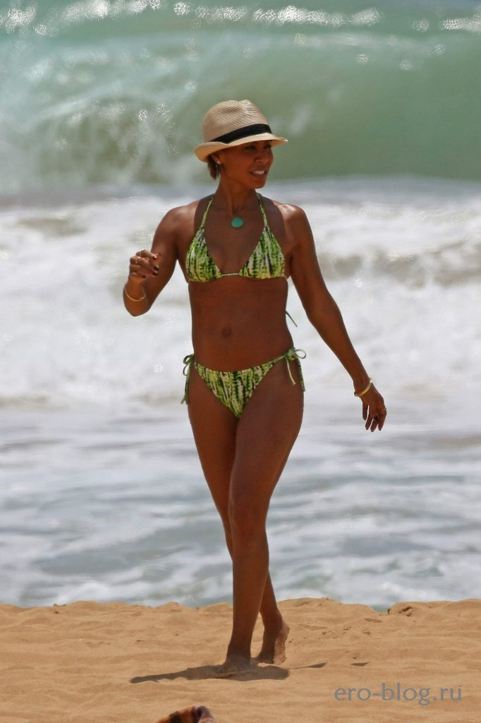 Jada Pinkett-Smith (69)