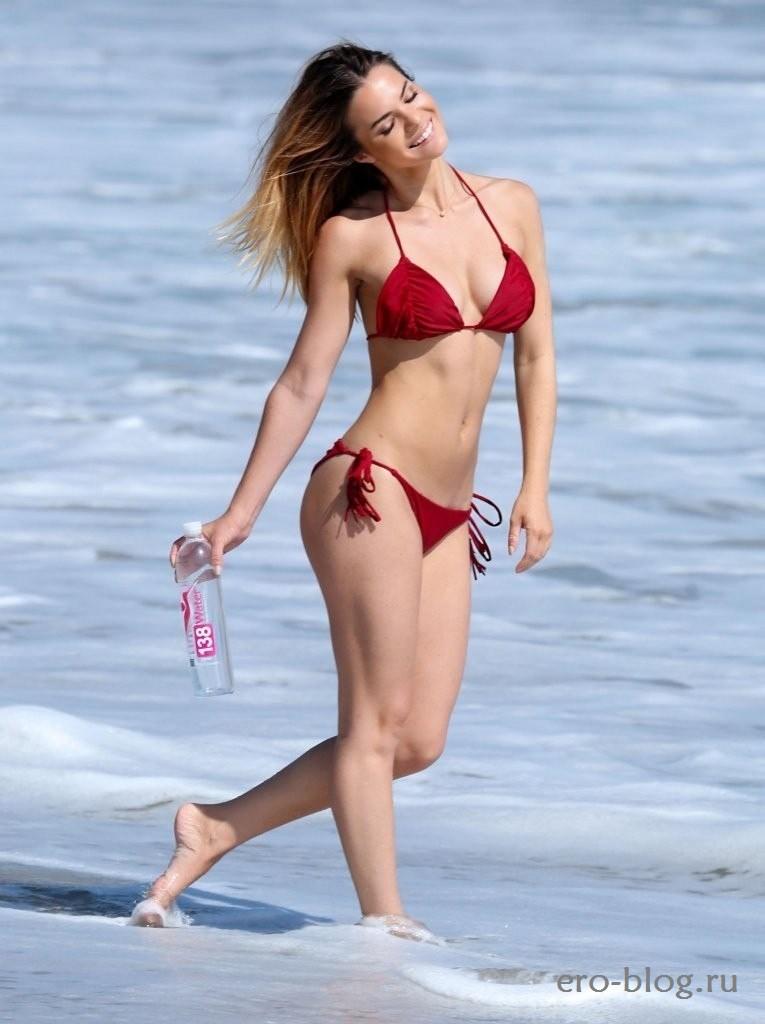 Kaili Thorne (27)