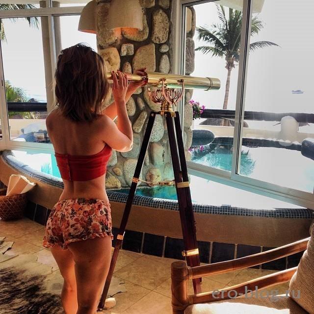Kaili Thorne (30)