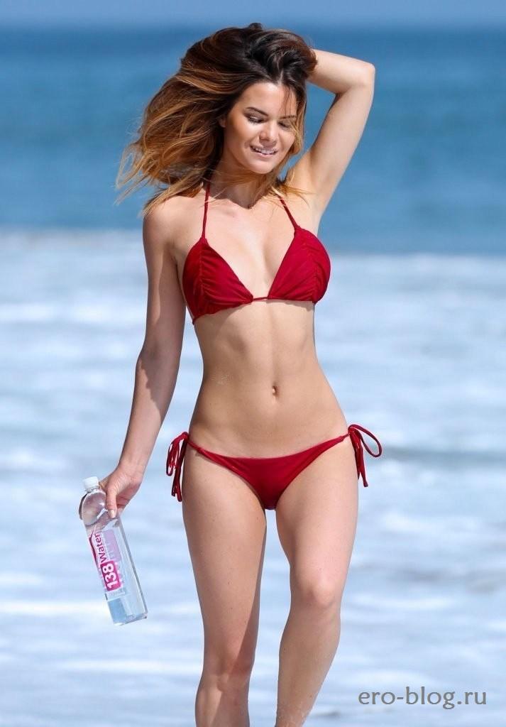 Kaili Thorne (43)