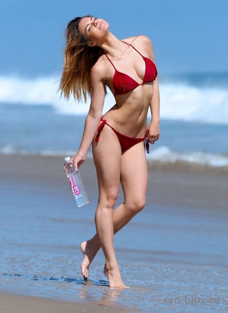 Kaili Thorne (67)