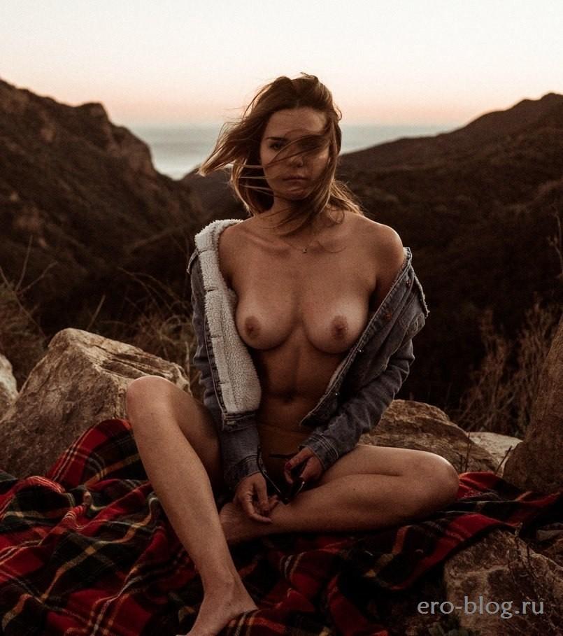 Kaili Thorne (80)