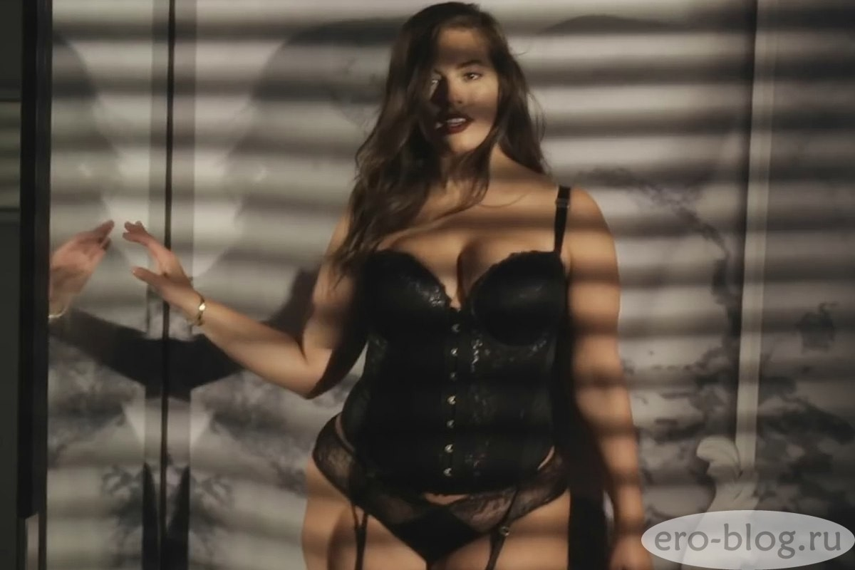 Голая обнаженная Ashley Graham | Эшли Грэм интимные фото звезды
