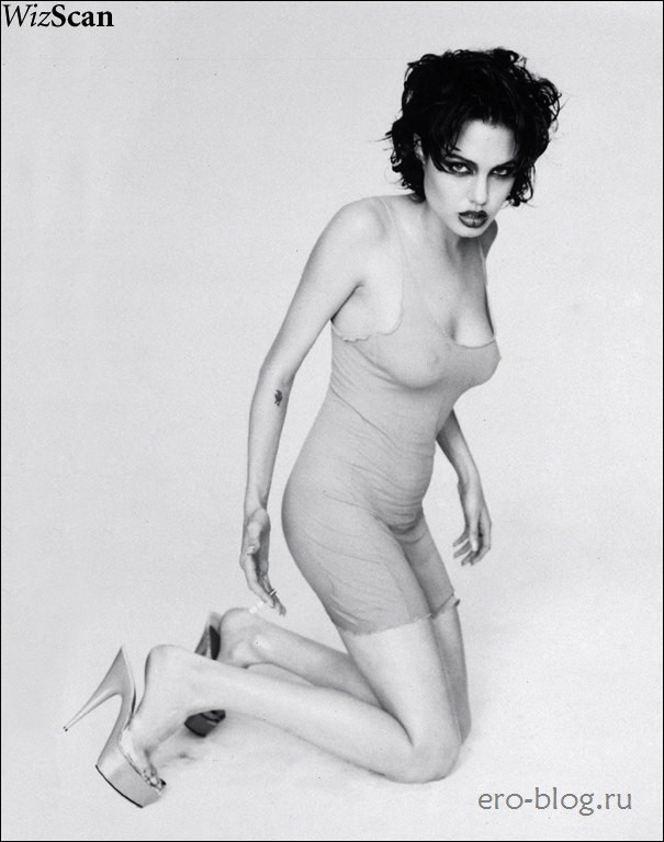 Голая Angelina Jolie фото | Обнаженная Анджелина Джоли