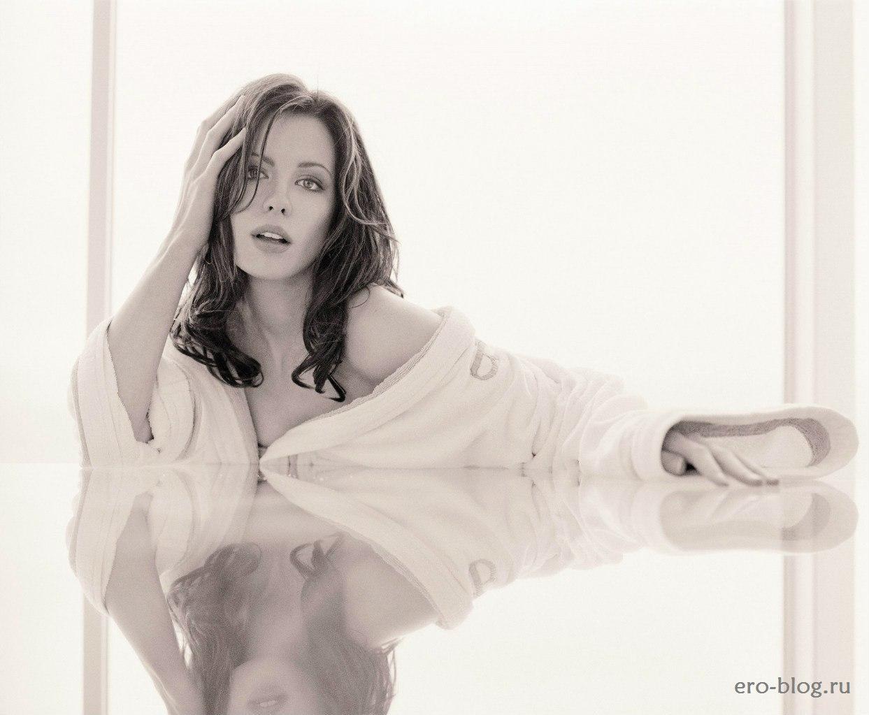 Голая обнаженная Кейт Бекинсэйл интимные фото звезды