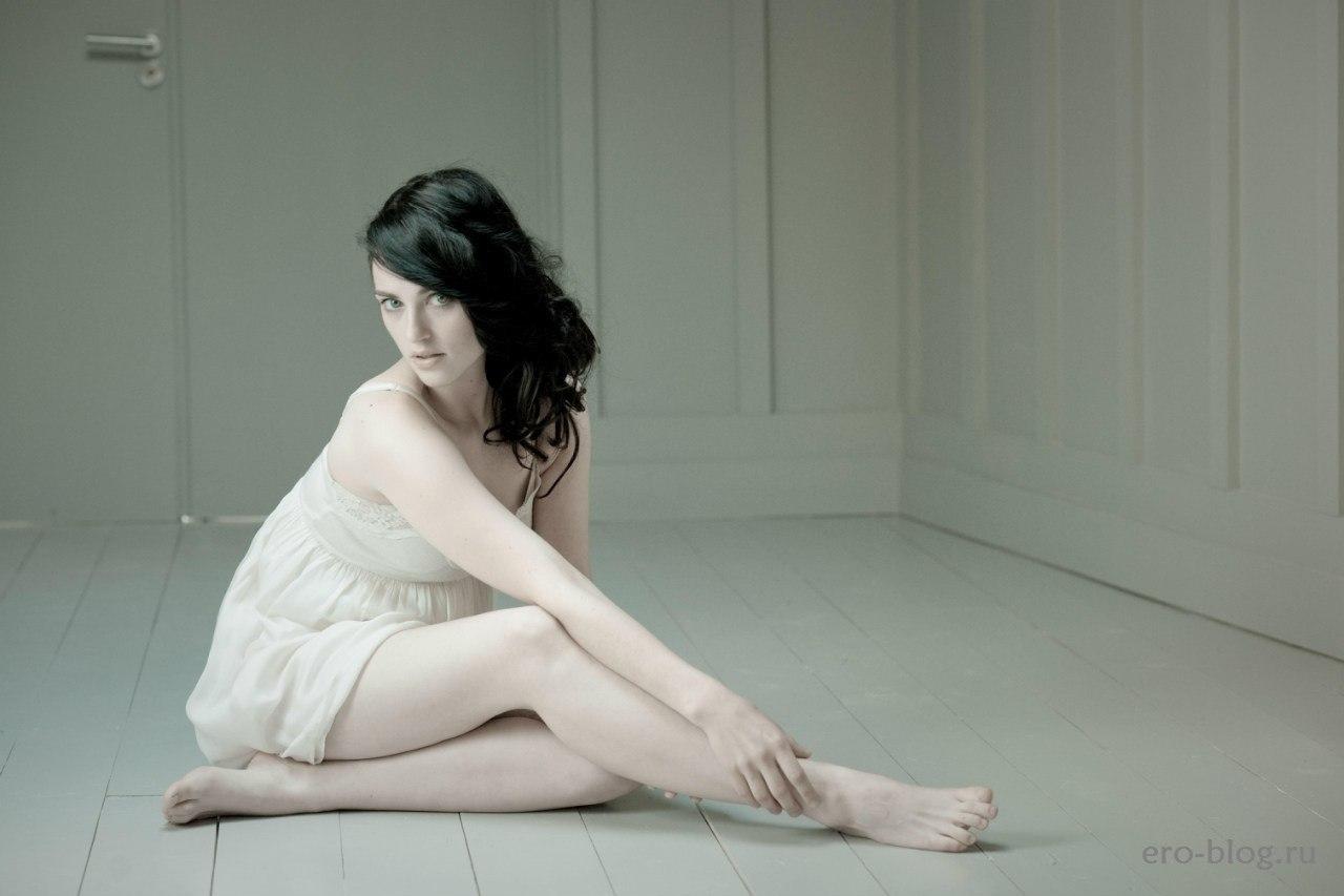 Голая обнаженная Katie McGrath | Кэти Макграт интимные фото звезды