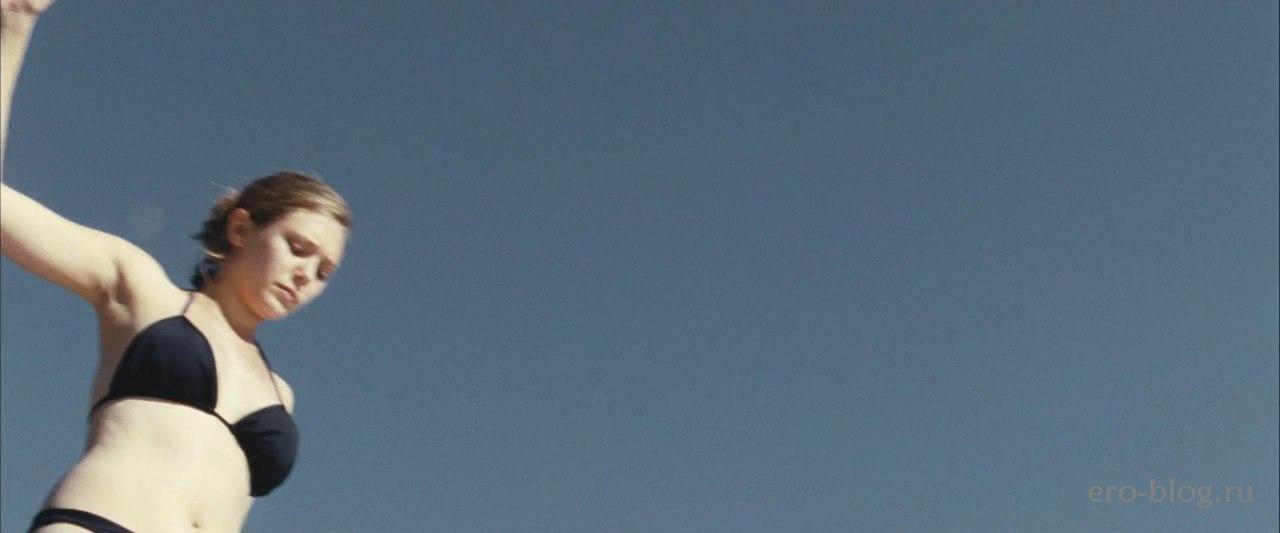 Голая обнаженная Элизабет Олсен интимные фото звезды