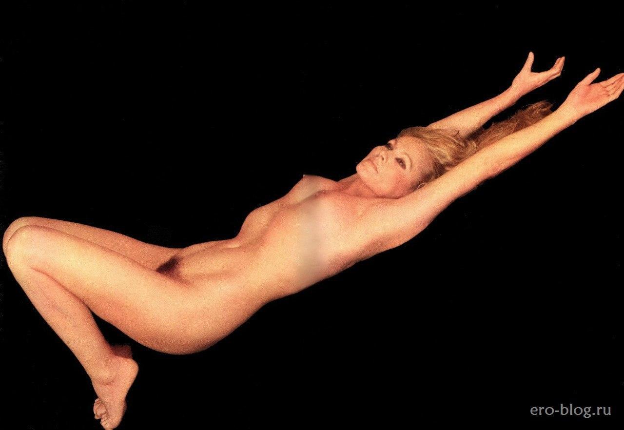 Голая обнаженная Урсула Андресс интимные фото звезды