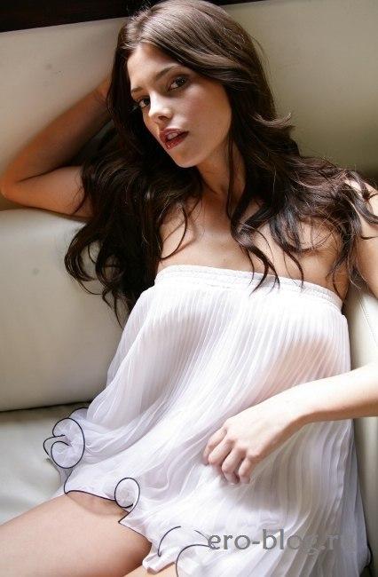 Голая обнаженная Ashley Greene | Эшли Грин интимные фото звезды