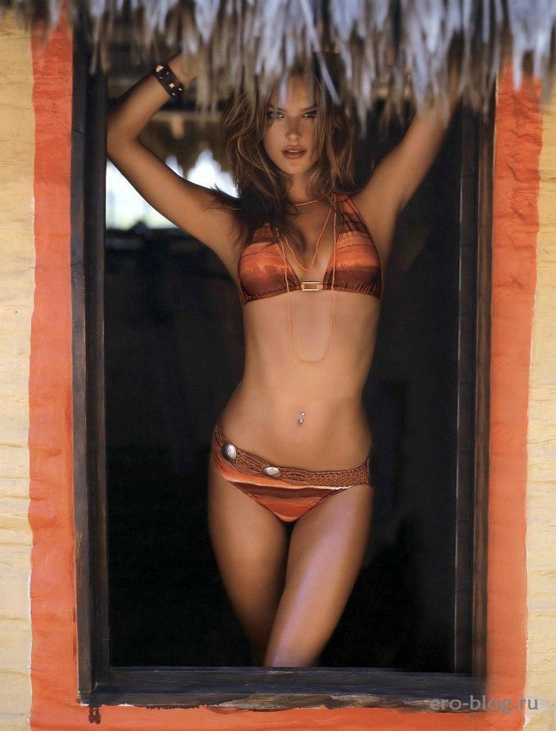 Голая обнаженная Alessandra Ambrosio | Алессандра Амбросио интимные фото звезды