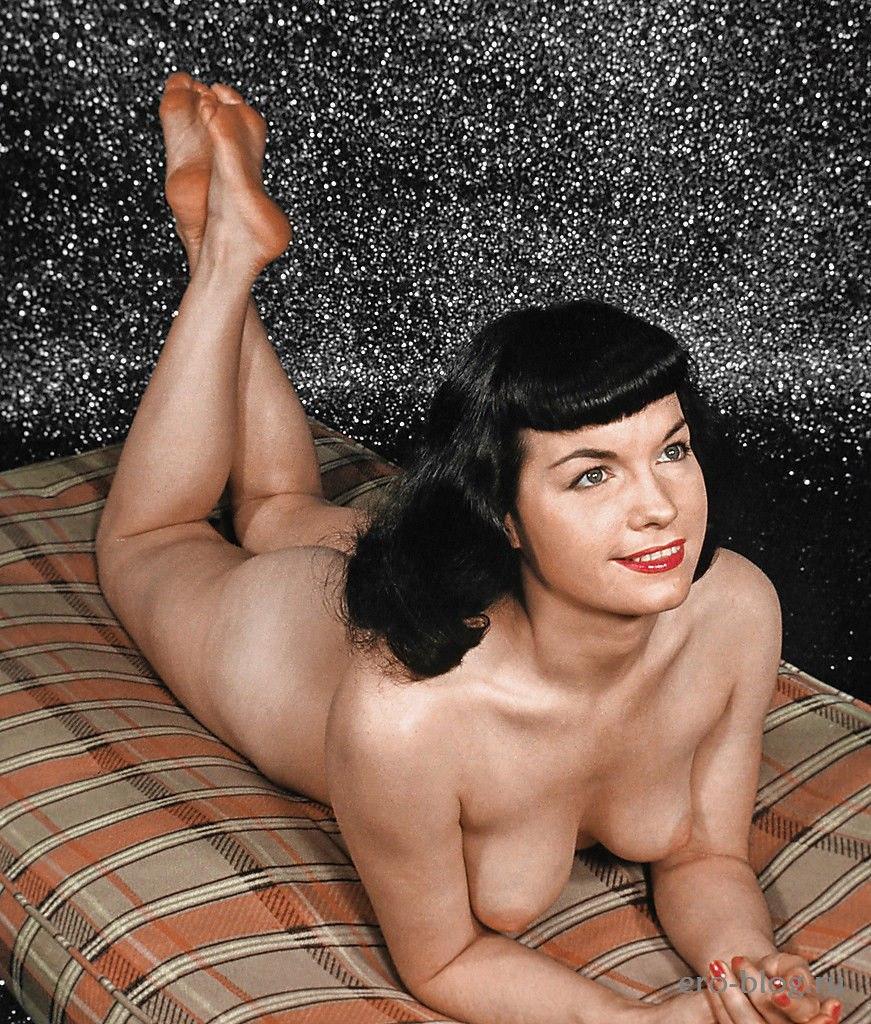 Голая обнаженная Бетти Пейдж интимные фото звезды