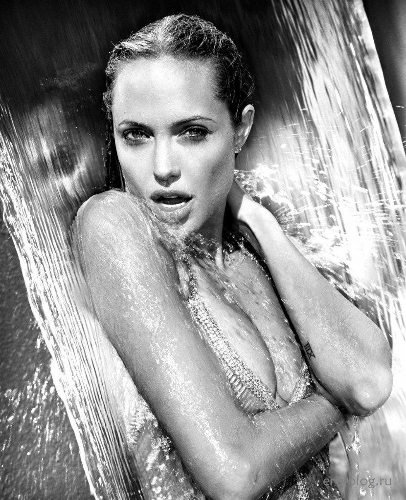 Голая обнаженная Angelina Jolie | Анджелина Джоли интимные фото звезды