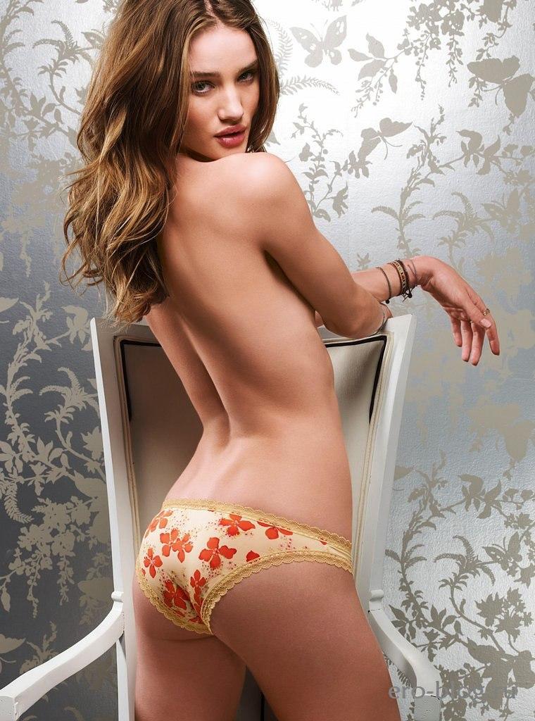 Голая обнаженная Rosie Huntington Whiteley | Роузи Хантингтон Уайтли интимные фото звезды