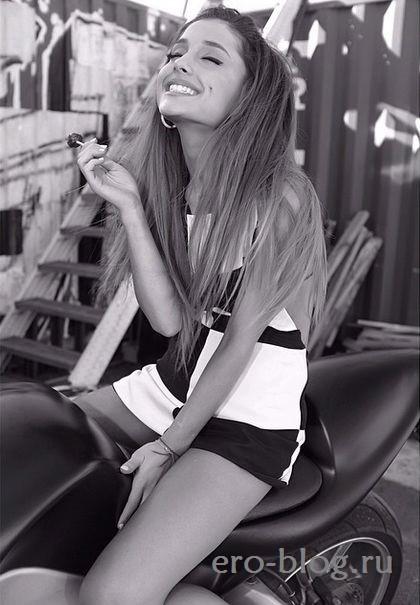 Голая обнаженная Ariana Grande | Ариана Гранде интимные фото звезды