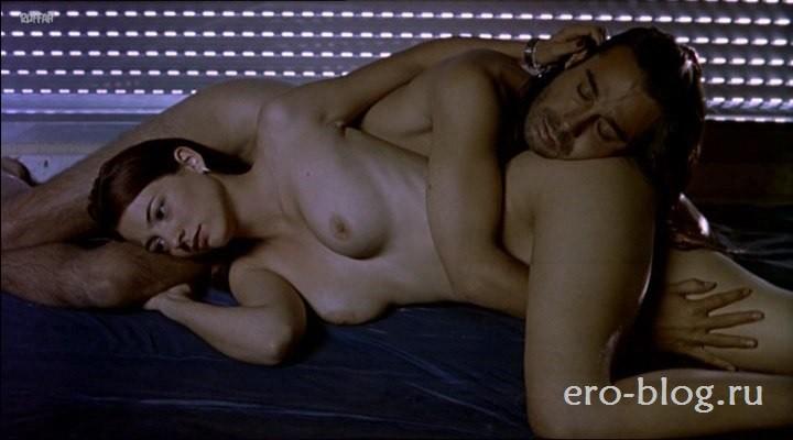 Голая обнаженная Леонор Уотлинг интимные фото звезды
