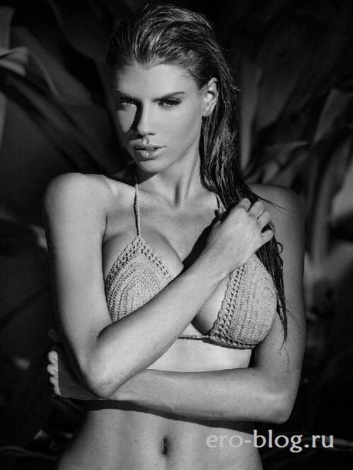 Голая обнаженная Шарлотта МакКинни интимные фото звезды