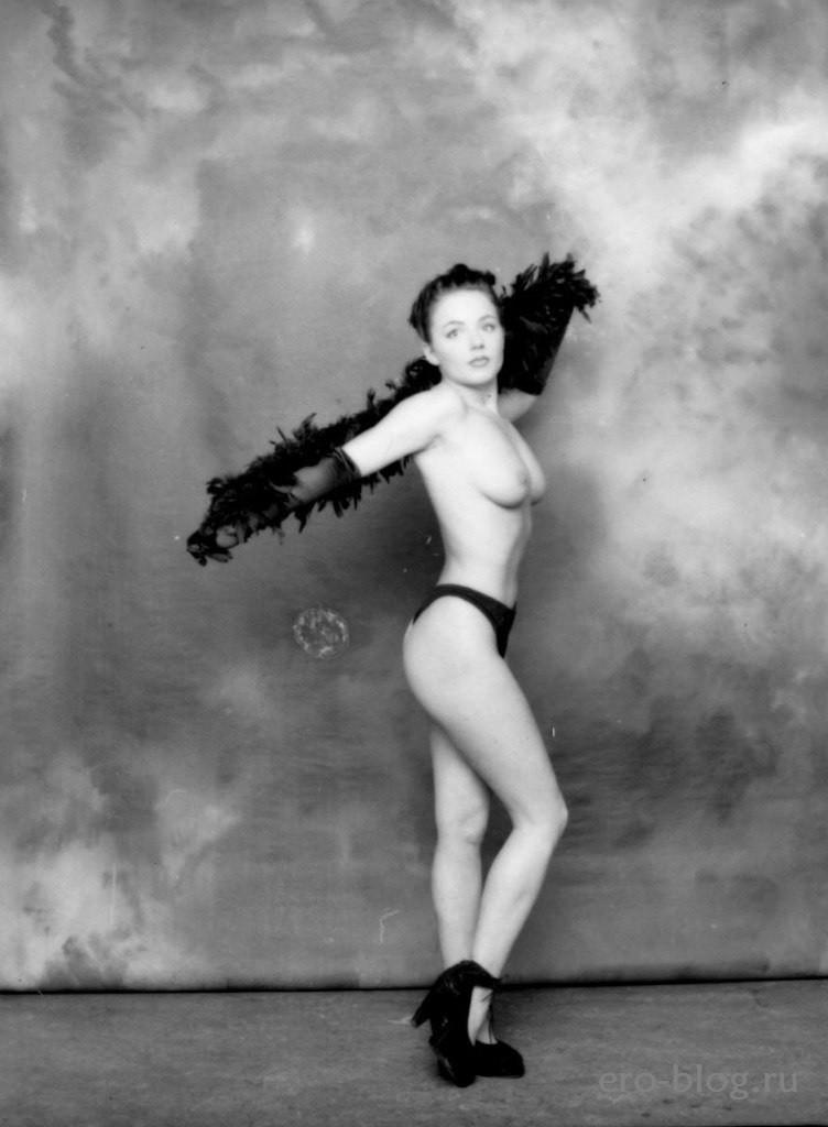 Голая обнаженная Джери Холлиуэлл интимные фото звезды