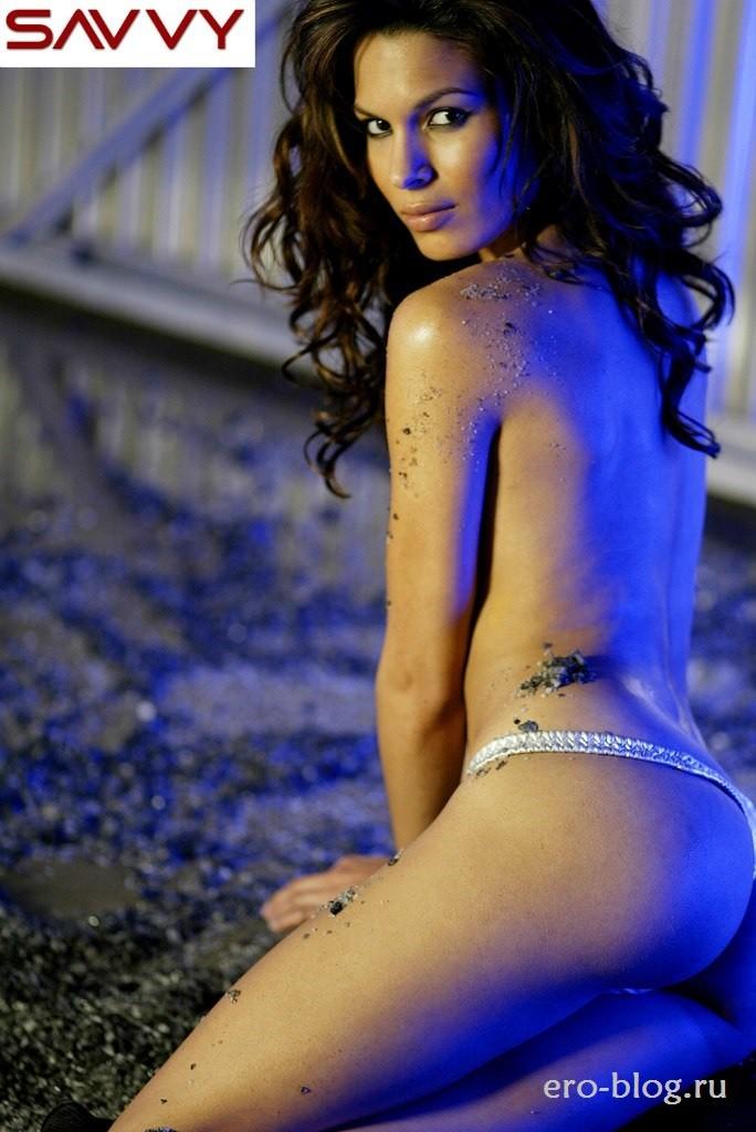 Голая обнаженная Надин Веласкес интимные фото звезды