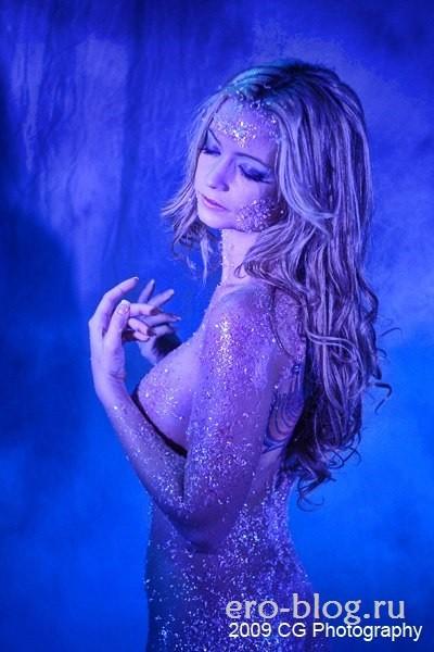 Голая обнаженная Минди Робинсон интимные фото звезды