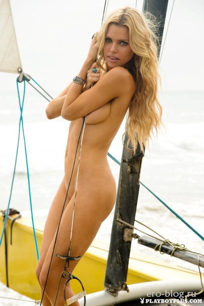 Голая обнаженная Софи Монк интимные фото звезды
