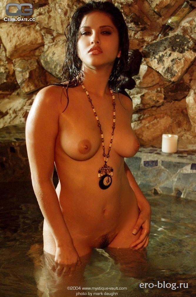 Голая обнаженная Санни Леоне интимные фото звезды