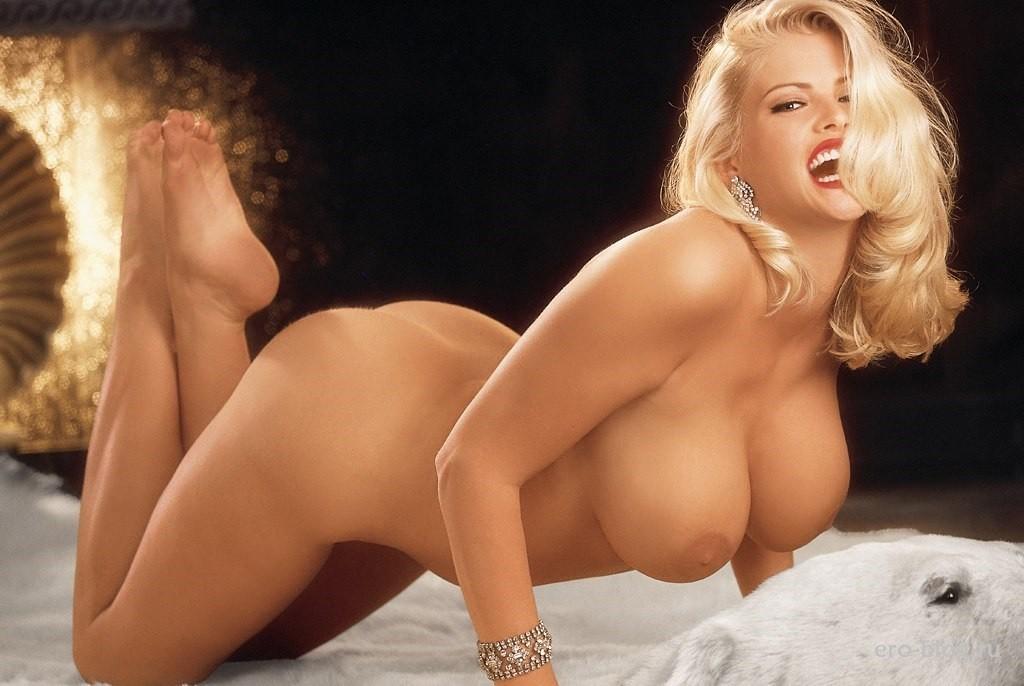 Love anna nicole smith boob shot spreading pink anal