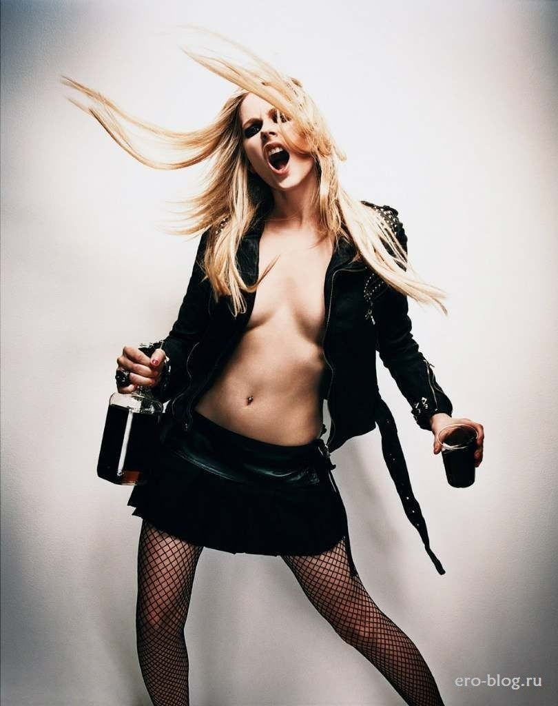 Голая Avril Lavigne фото, Обнаженная Аврил Лавин