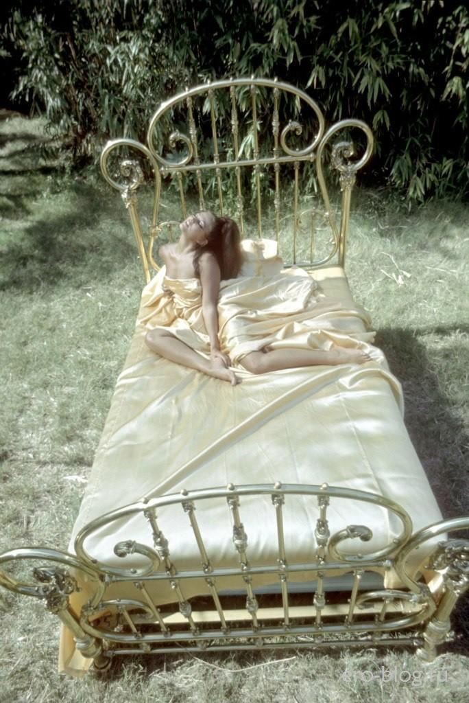 Голая обнаженная Клаудия Кардинале интимные фото звезды