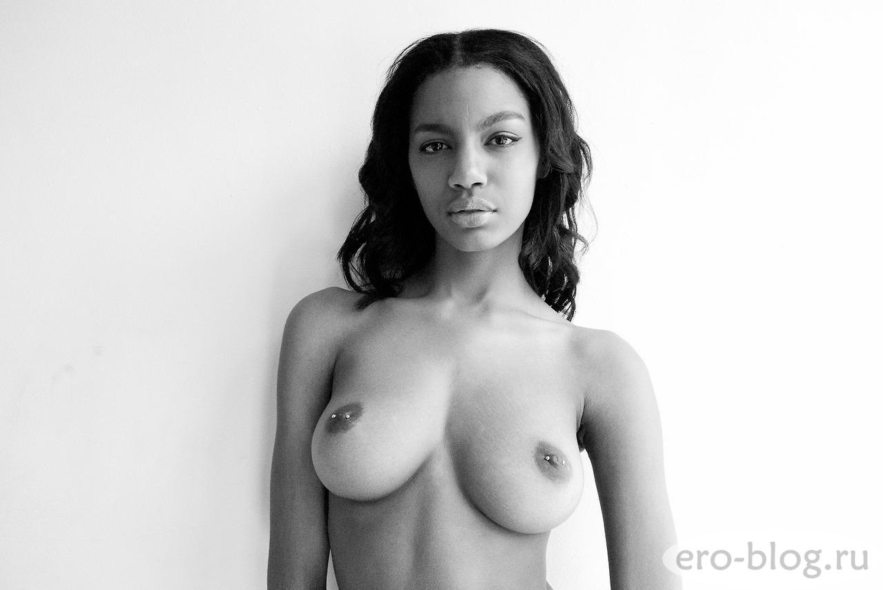 Голая обнаженная Ebonee Davis | Эбони Дэвис интимные фото звезды