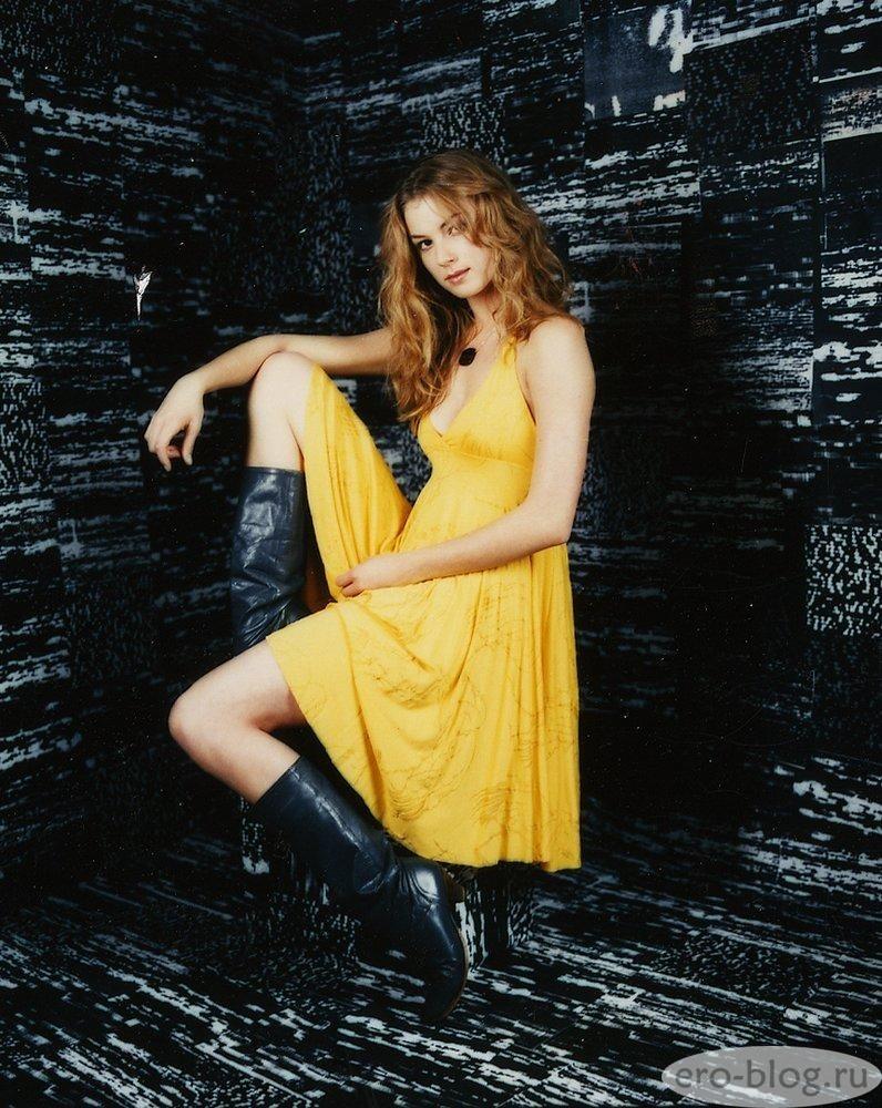 Голая обнаженная Emily VanCamp | Эмили Ванкэмп интимные фото звезды