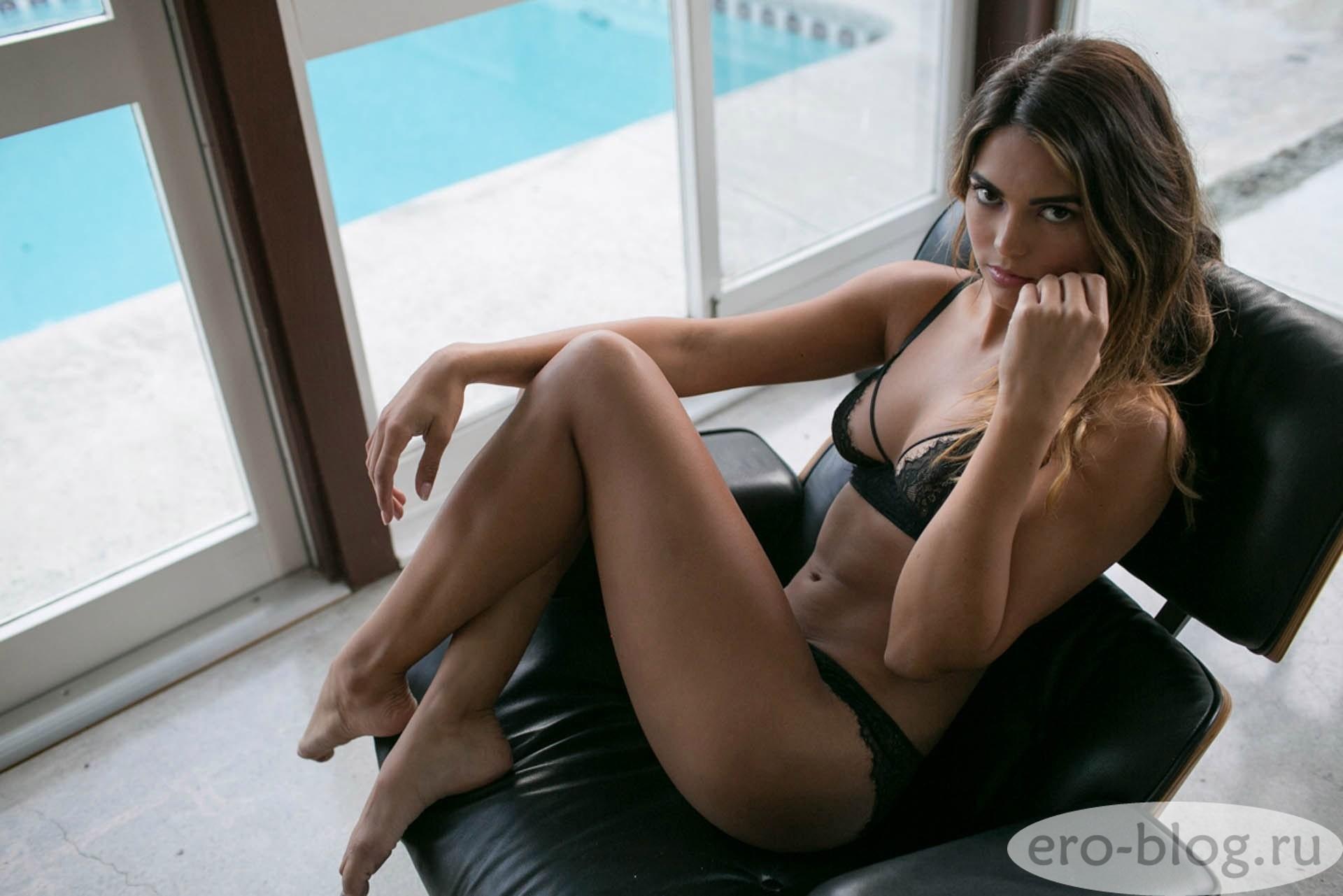 Голая обнаженная Kyra Santoro | Кира Санторо интимные фото звезды