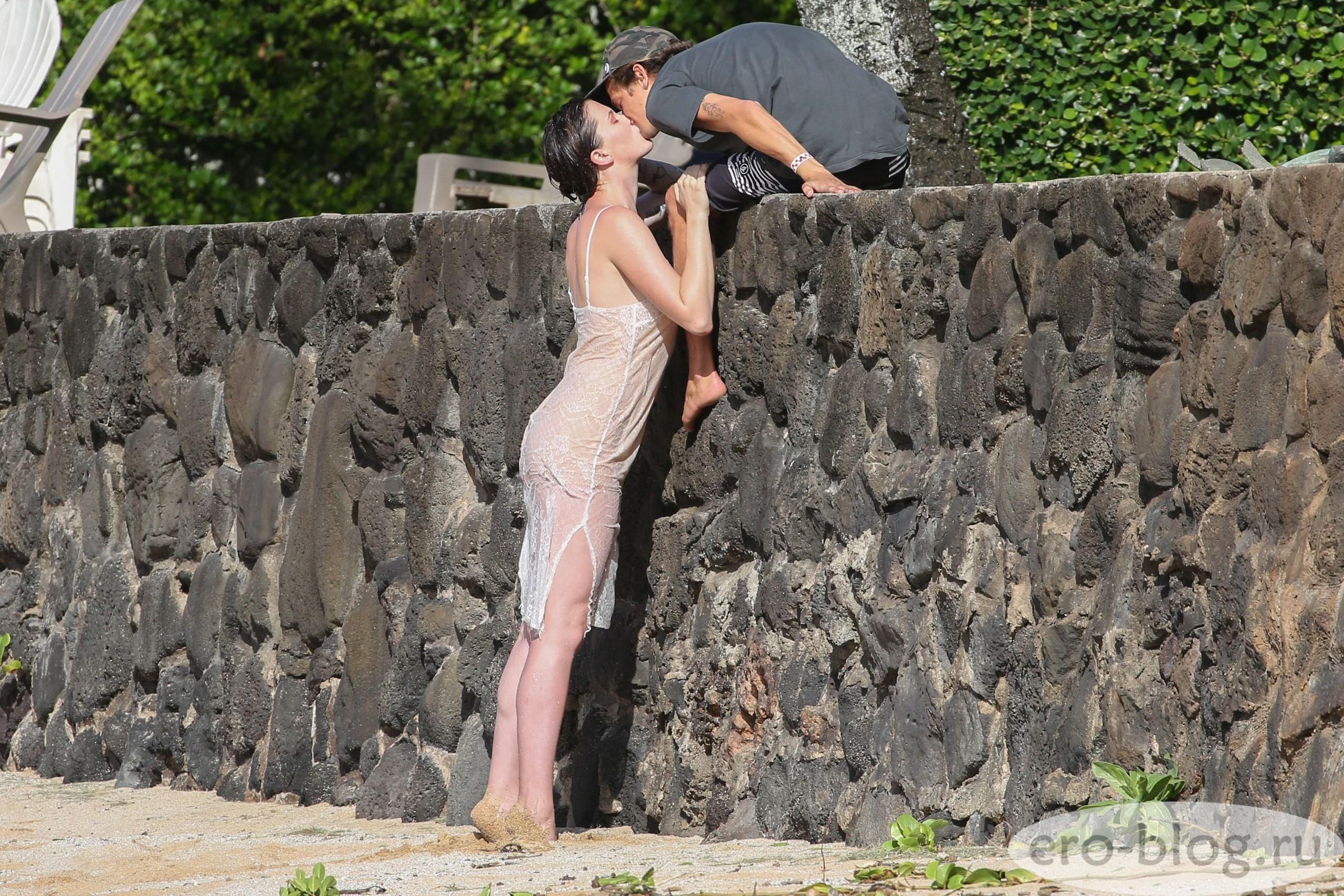 Голая обнаженная Ireland Baldwin   Айрленд Болдуин интимные фото звезды