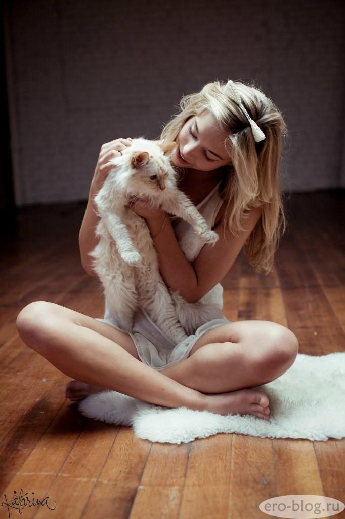 Голая обнаженная Alexis Ren   Алексис Рен интимные фото звезды