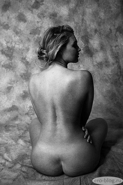 Голая обнаженная Искра Лоуренс интимные фото звезды