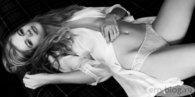 Голая обнаженная Valerie van der Graaf | Валери ван дер Грааф интимные фото звезды