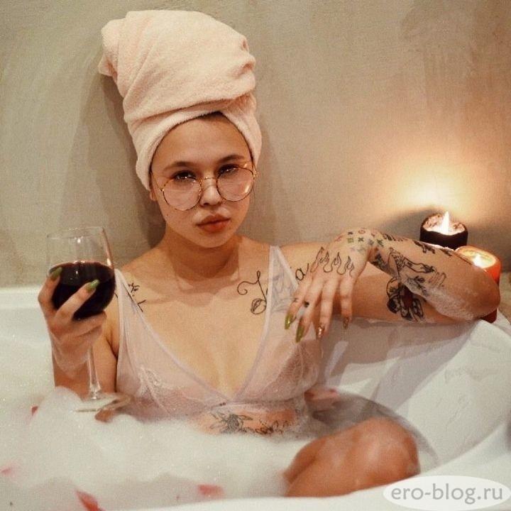Голая обнаженная Инстасамка  (Дарья Зотеева) интимные фото звезды