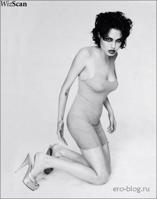 Голая Angelina Jolie фото, Обнаженная Анджелина Джоли